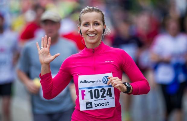Bežkyňa na maratóne (klikni pre viac fotiek z akcie)