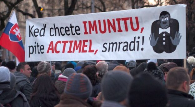 Protest Gorila (10.2.2012) - keď chcete imunitu, pite actimel, smradi